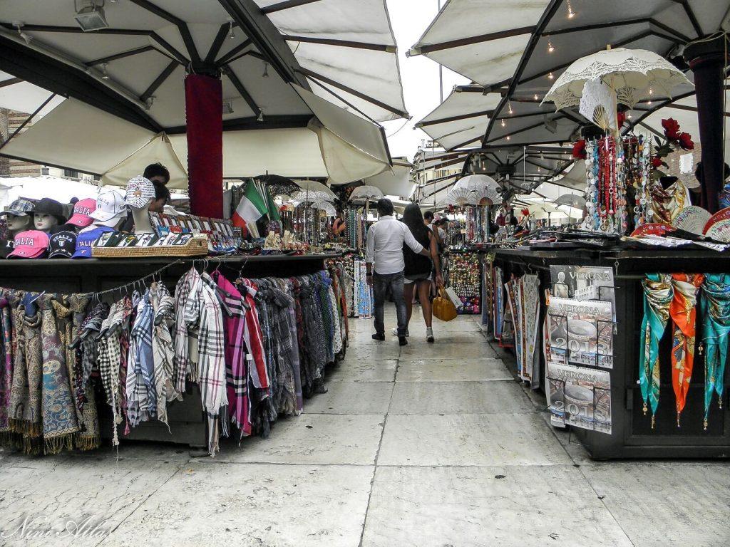שוק ב Piazza Erbe