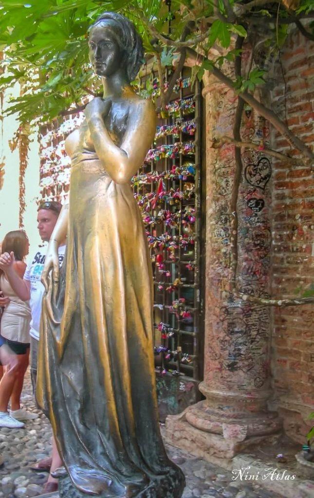 פסל ב Casa dei Giulietta