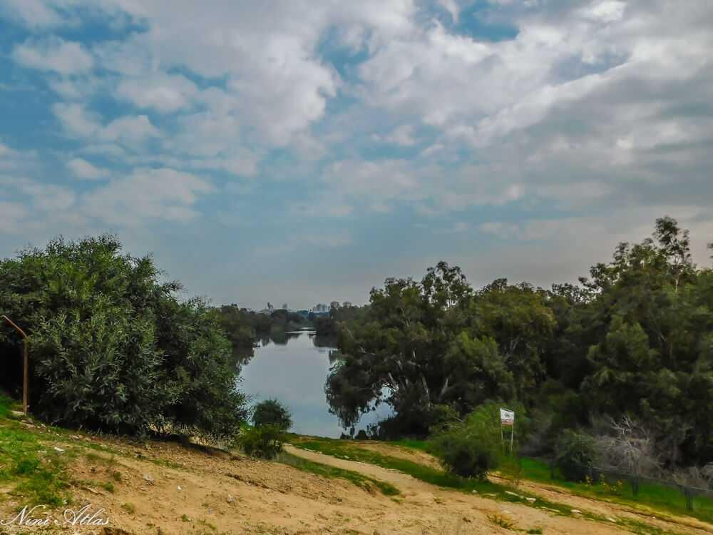 אגם הנקיק ראשון לציון