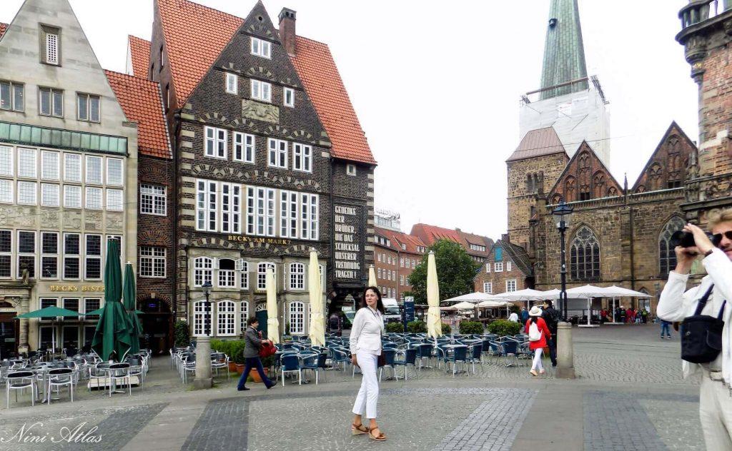 שבכיכר השוק העתיקה