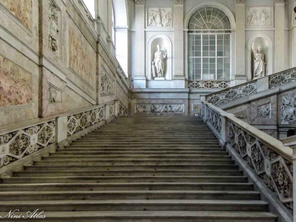 בארמון מרשים ביותר מהמאה ה 16