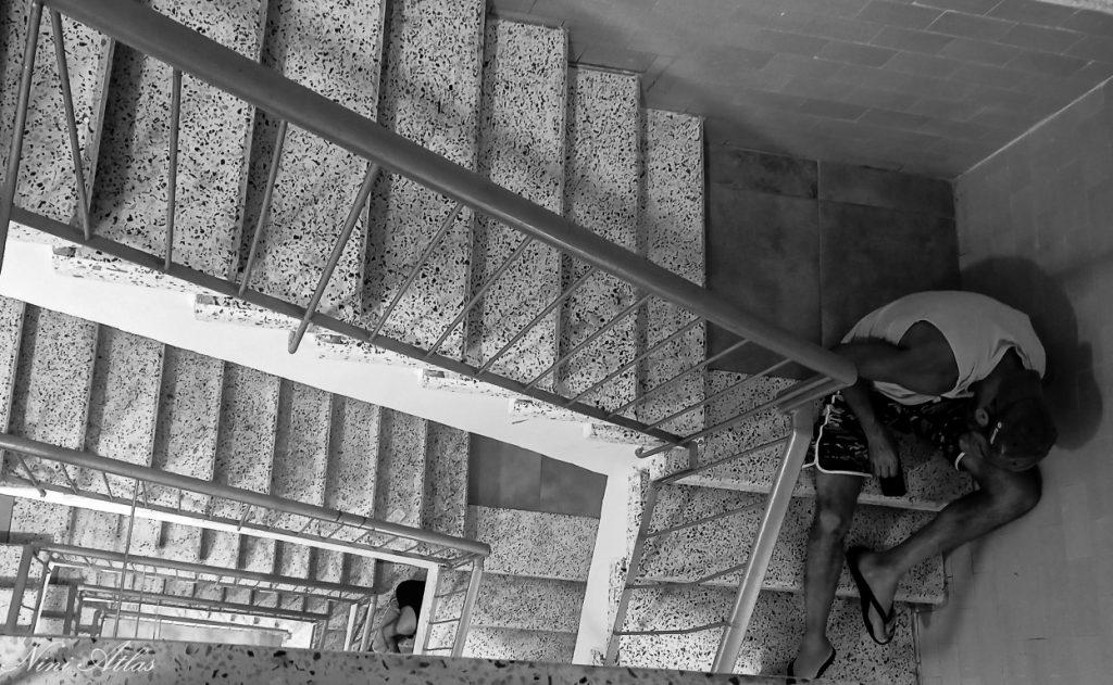 שומר החומות בחדר מדרגות